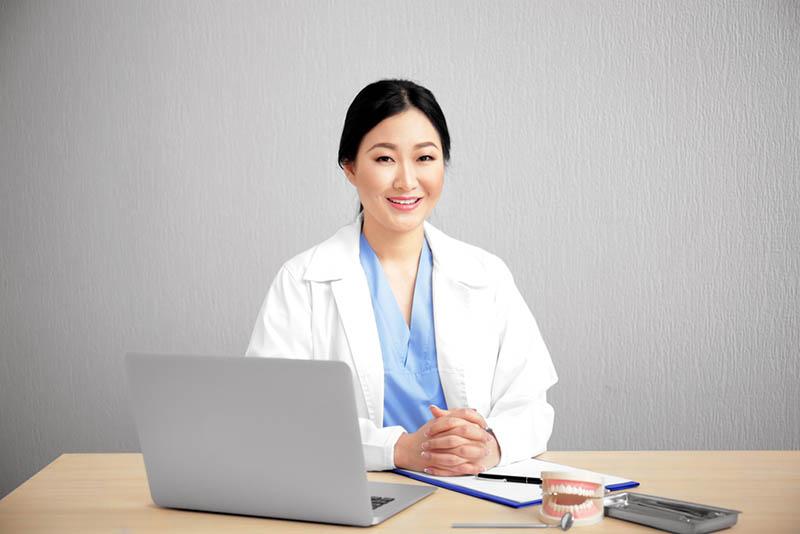 an Online Dentist